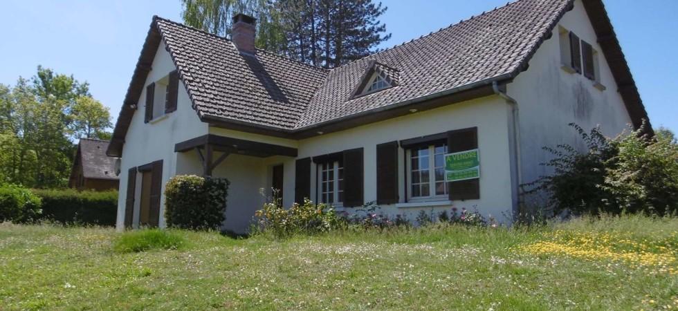 Grand pavillon individuel de 150 m² proche étang