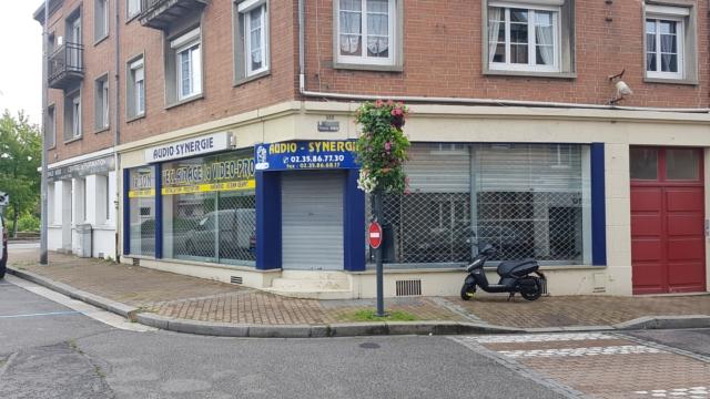 Local commercial à louer à EU