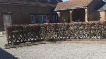 Maison en briques avec gîtes